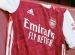 Arsenal představil dresy pro sezónu 2020/21. Vrátí se k tmavšímu odstínu červené